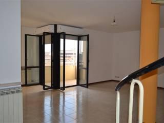 Foto - Appartamento buono stato, secondo piano, Quaderni, Villafranca Di Verona