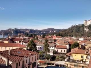 Foto - Bilocale via Giuseppe Mazzini, Angera