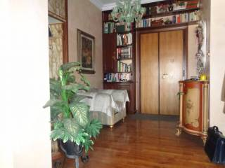 Foto - Trilocale buono stato, quinto piano, Centro Storico, Bologna