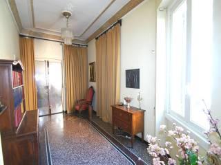 Foto - Appartamento da ristrutturare, secondo piano, Sampierdarena, Genova