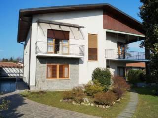 Foto - Casa indipendente via oriano, Oriano, Sesto Calende