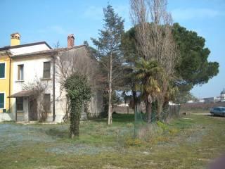 Foto - Rustico / Casale via Don Domenico Bogoni, Rosegaferro, Villafranca Di Verona