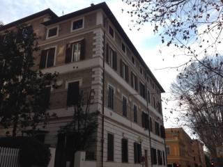 Foto - Bilocale buono stato, ultimo piano, Prati, Roma