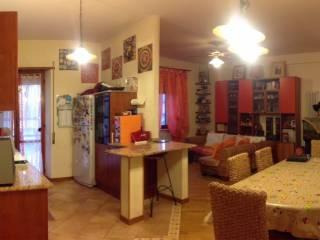 Foto - Trilocale buono stato, terzo piano, San Silvestro, Castorano
