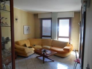 Foto - Quadrilocale ottimo stato, terzo piano, Certosa, Milano
