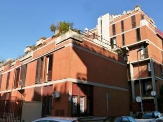 Foto - Trilocale da ristrutturare, secondo piano, Lido di Ostia, Roma