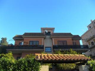 Foto - Trilocale via Dei Rangoni, Casetta Mattei, Roma