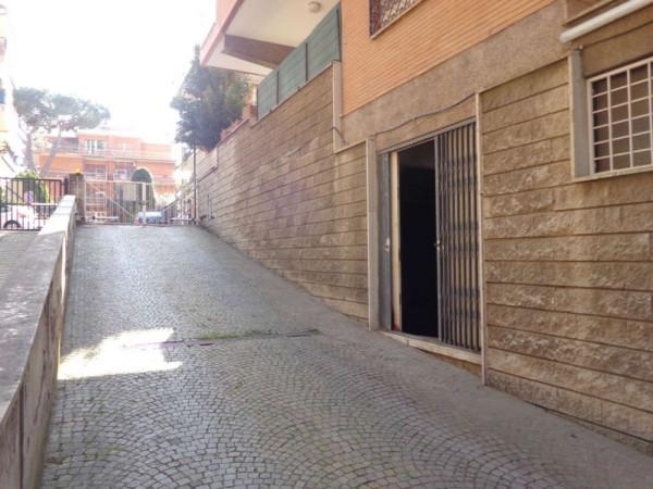 Negozio in vendita a Roma in Via Francesco Vettori, 01