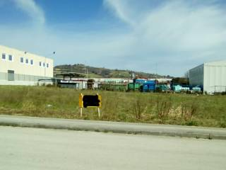 Foto - Terreno edificabile industriale a Falerone