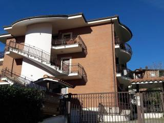 Foto - Trilocale buono stato, primo piano, Monterotondo