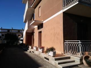 Foto - Trilocale via Amalfi, Pomezia