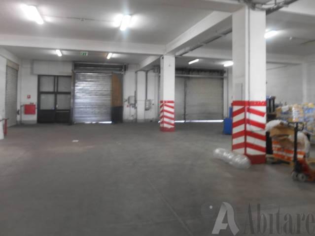 Capannone in vendita a Messina, 6 locali, Trattative riservate | CambioCasa.it
