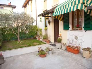 Foto - Casa indipendente via san martino, 56, Mandello Del Lario