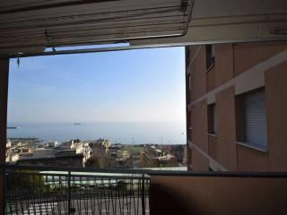 Foto - Appartamento via Pietra Ligure, Voltri, Genova