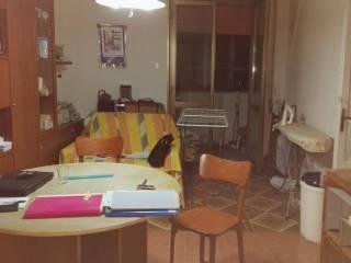 Foto - Trilocale da ristrutturare, quarto piano, San Lorenzo, Napoli