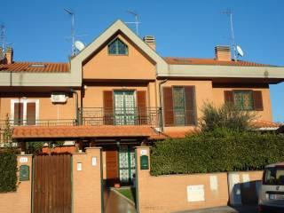 Foto - Villetta a schiera 5 locali, ottimo stato, Pantano Borghese-laghetto, Montecompatri