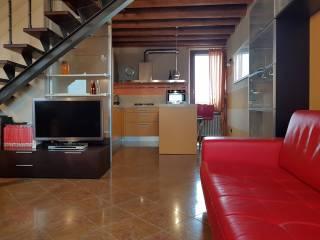 Foto - Quadrilocale Strada la Rizza 75, Borgo Roma, Verona