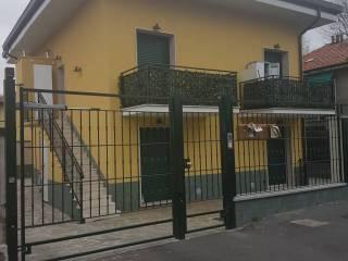 Foto - Bilocale ottimo stato, piano terra, Bande Nere, Milano