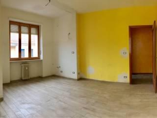 Foto - Trilocale buono stato, terzo piano, Savigliano