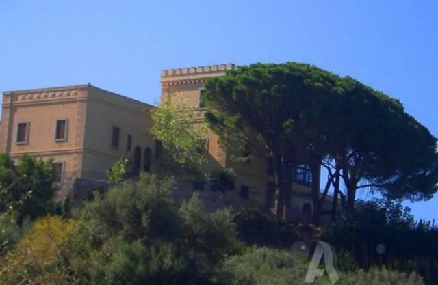 Villa in vendita a Tripi, 6 locali, Trattative riservate | CambioCasa.it