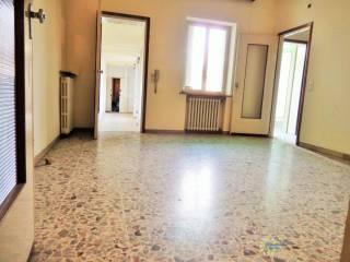 Foto - Trilocale da ristrutturare, Mantova