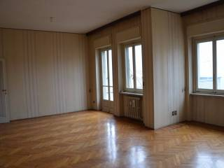 Foto - Appartamento via Emilio Chanoux, Chatillon