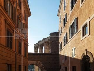 Foto - Bilocale ottimo stato, quarto piano, Centro Storico, Roma