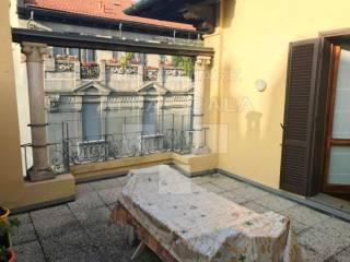 Foto - Attico / Mansarda corso Monforte, Monforte, Milano