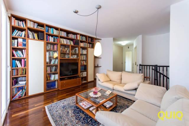 Appartamento in vendita a Malgrate, 3 locali, prezzo € 420.000 | CambioCasa.it