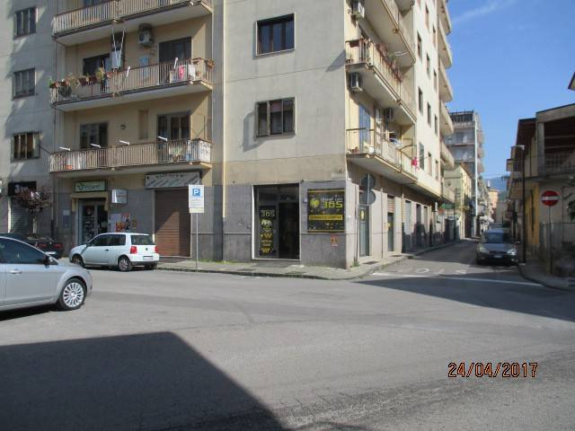 Negozio / Locale in affitto a Mercato San Severino, 1 locali, prezzo € 650 | CambioCasa.it