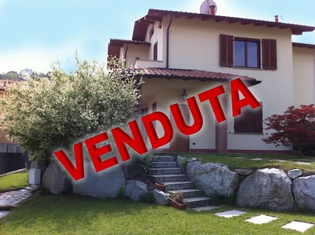 Villa in vendita a Azzate, 5 locali, prezzo € 375.000 | CambioCasa.it