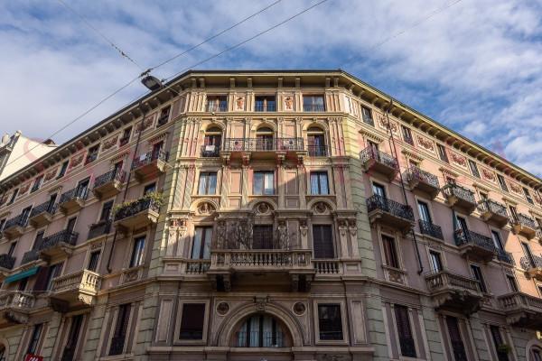 5 locali in vendita a Milano in Viale Montenero