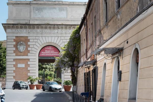 Negozio in vendita a Roma in Via Di San Pancrazio