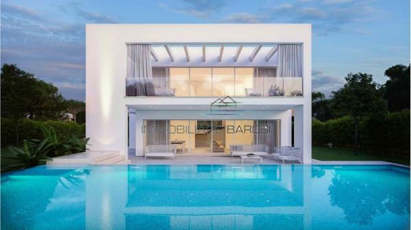 Villa in vendita a Forte dei Marmi in Via F. Donati