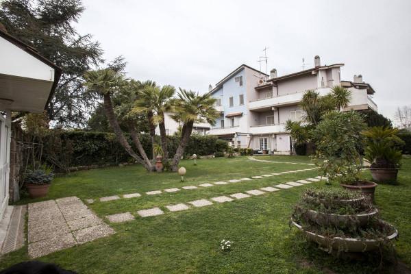 Villa in vendita a Roma in Via Senofane