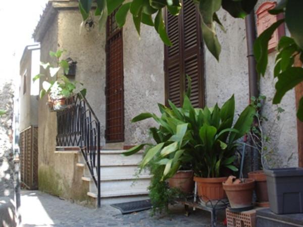 Trilocale in vendita a Anguillara Sabazia in Corso Umberto I