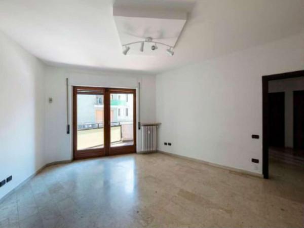 Quadrilocale in vendita a Varese in Via Piave, 12