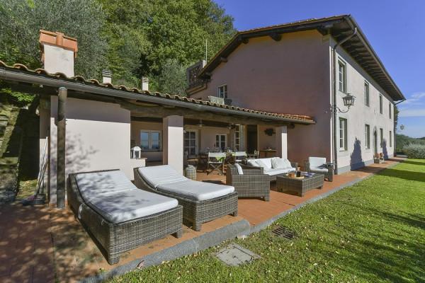 Villa in vendita a Massarosa in Via Villa Terrazze