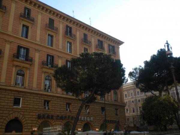 foto palazzo Appartamento in Vendita a Roma