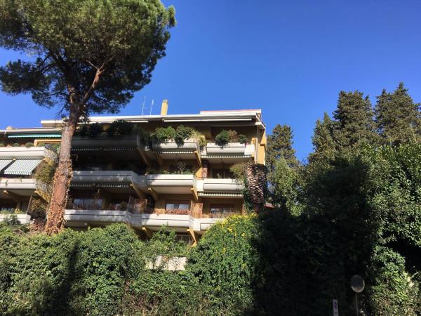 foto Facciata Bilocale via della Camilluccia 589, Roma
