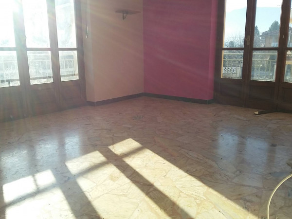 foto  Trilocale da ristrutturare, primo piano, Villanova Canavese