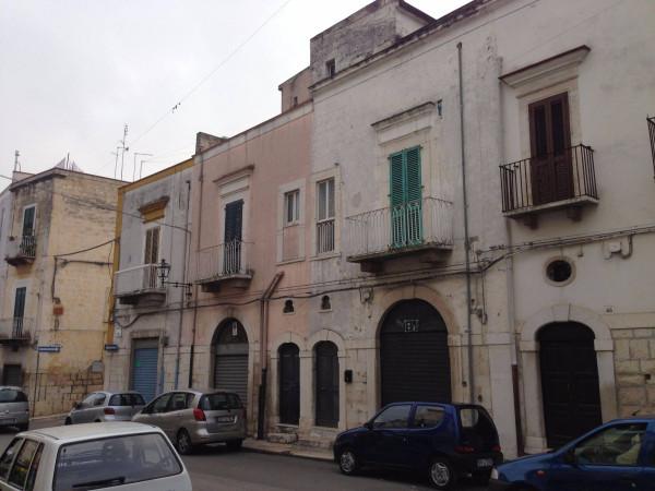 foto  Palazzo / Stabile 1, buono stato, Andria