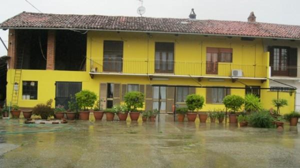 Rustico / Casale in vendita a Moncrivello, 5 locali, prezzo € 130.000 | CambioCasa.it