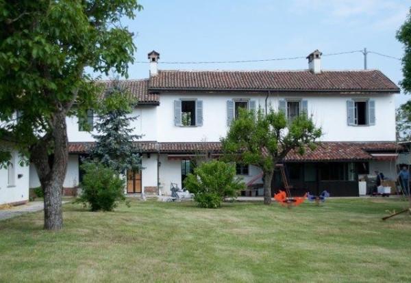 Rustico / Casale in vendita a Olevano di Lomellina, 9999 locali, prezzo € 400.000 | CambioCasa.it