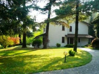foto Villa Vendita Mariano Comense