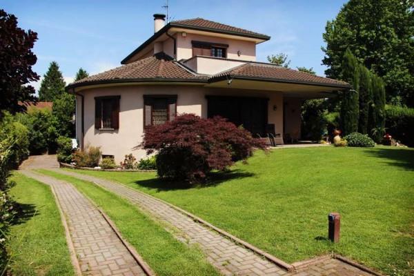 foto  Villa via Cesare Cantù, Parabiago