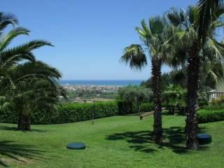 Photo - Single family villa, excellent condition, 350 sq.m., Martinsicuro