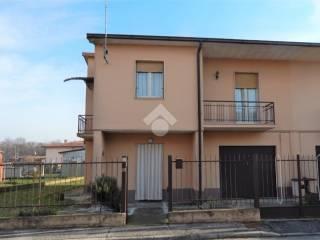 Photo - Two-family villa via XXV Aprile 4, Malagnino