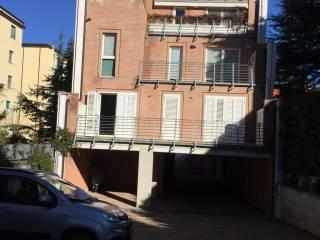 Foto - Quadrilocale via Trento, Semicentro, Campobasso