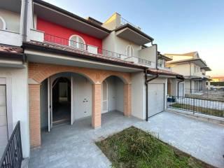 Foto - Villa a schiera via Picenengo, Casanova Del Morbasco, Sesto ed Uniti